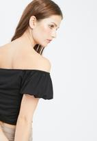 Missguided - Puffball sleeve bardot top