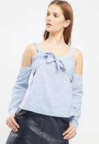 Missguided - Striped cold shoulder tie front blouse