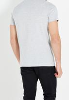 Cotton On - Essential vee neck tee