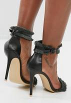 Footwork - Brie