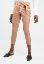 Vero Moda - Solid Ruby ankle pants