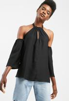 dailyfriday - Knotted keyhole blouse