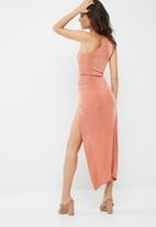 Missguided - Slinky one shoulder maxi dress