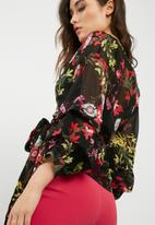 Missguided - Floral print wrap tie blouse