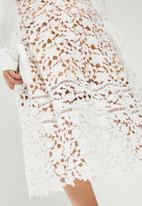 Missguided - Premium heavyweight crochet lace full midi skirt