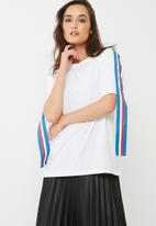 Missguided - Oversized shoulder stripe t-shirt