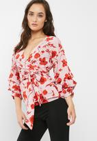 Missguided - Poppy print wrap tie blouse