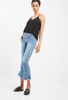 Vero Moda - Sam ruffle flared jeans