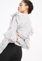 Vero Moda - Marion frill blouse