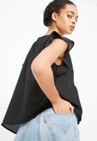 Vero Moda - Bright flounce top