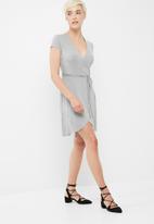 dailyfriday - Viscose knit mock wrap dress