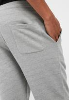 basicthread - Regular fit sweat shorts