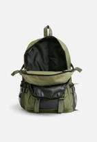 basicthread - utility backpack