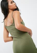 Missguided - Ribbed midi dress