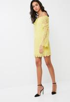 Missguided - Lace bardot tie detail shift dress