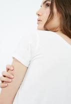 Jacqueline de Yong - Noho knot tee