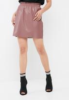 Jacqueline de Yong - Fix pu skirt