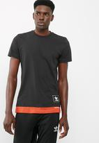 adidas Originals - Footwear link tee