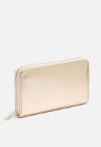dailyfriday - Pink and rose gold wallet
