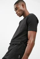 Bellfield - Longline pocket tee