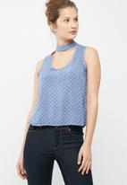 dailyfriday - Sleeveless choker blouse