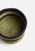 Grey Gardens - Stripe grass basket