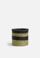 Grey Gardens - Stripe grass basket