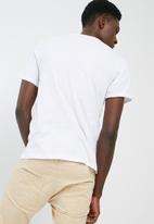 GUESS - BSC shifted lines crew tee
