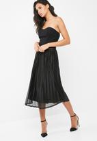 Vero Moda - Glitzy pleated skirt