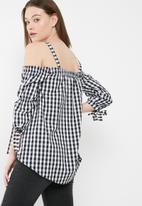 dailyfriday - Cold shoulder poplin blouse