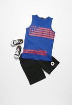 basicthread - Stars and stripes vest