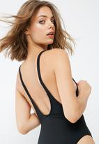 Missguided - Lips sequin plunge swimsuit