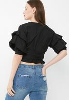 Missguided - Wrap over gathered sleeve blouse