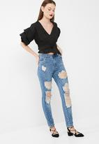 Missguided - Riot high rise premium embellished mom jean