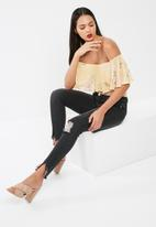 Missguided - Anarchy mid rise step hem skinny jeans