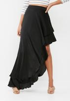 Missguided - Hammered satin frill high side maxi skirt