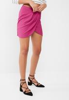 Missguided - Textured wrap mini skirt
