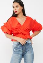 Missguided - Wrap gathered sleeve blouse