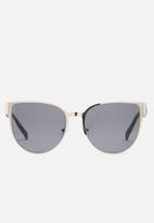 Missguided - Flat metal cat eye sunglasses