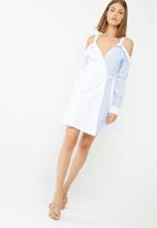 dailyfriday - Cold shoulder wrap shirt dress