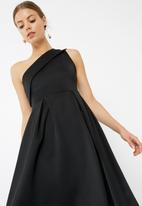 dailyfriday - One shoulder dip hem midi dress