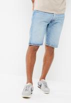 Levi's® - 501 hemmed shorts