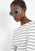 Missguided - Matte frame square sunglasses