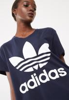 adidas Originals - Boxy trefoil tee