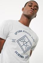 basicthread - Uptown athletic print crew neck tee