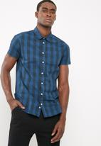 basicthread - Slim fit check shirt