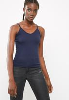 dailyfriday - Fitted v neck cami