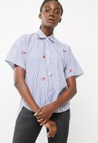 dailyfriday - Drop back short sleeve shirt