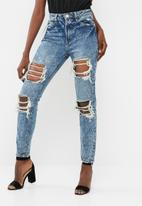 Missguided - Riot high waisted open rip mom jean