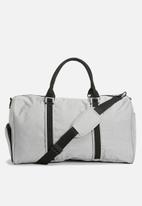 basicthread - Jarred duffle bag